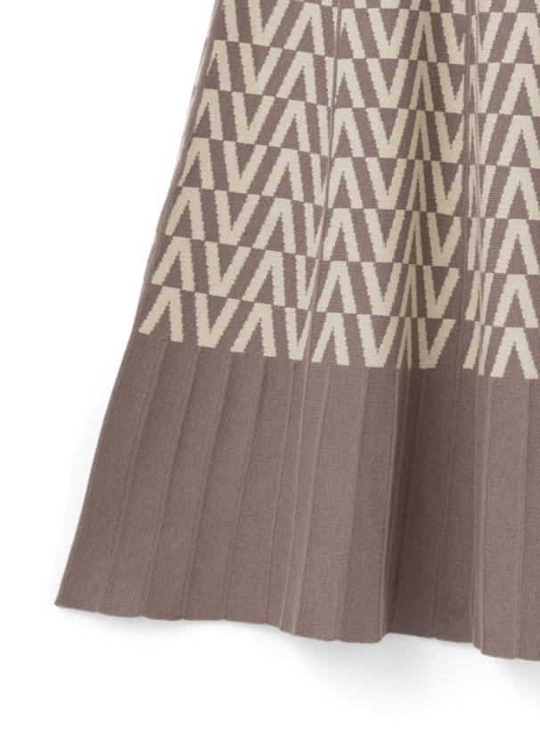 幾何学柄プリーツフレアロングニットスカート