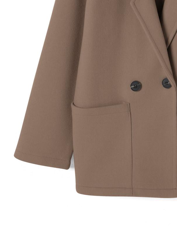ポケット付きジャケット