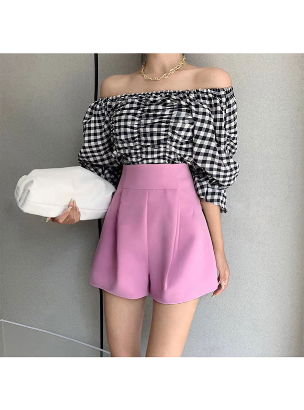 白石麻衣 タック入りハイウエストショートパンツ