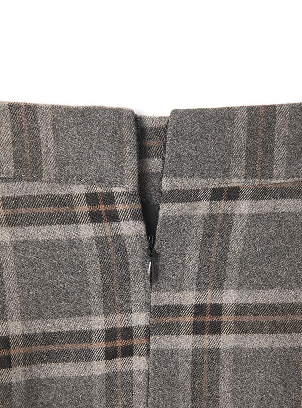 インパン・ベルト付きチェックミニスカート
