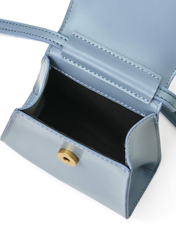 台形フラップショルダーバッグ
