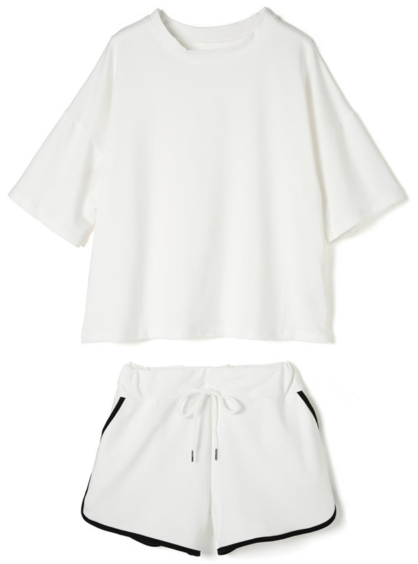 TシャツXサイドラインショートパンツセットアップ