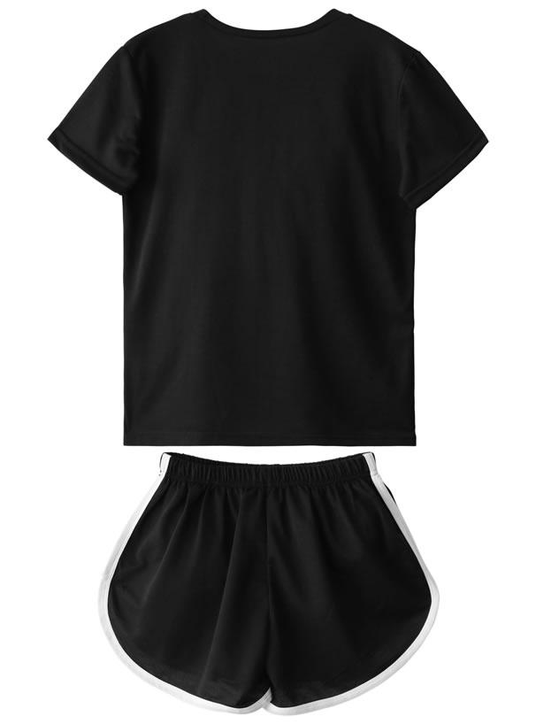 Tシャツ×ショートパンツセットアップ