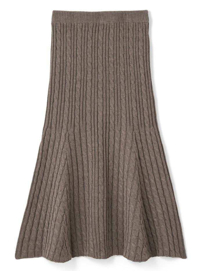 ケーブル編みマーメイドニットスカート