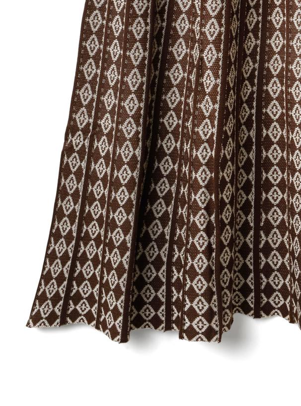 ジャガード柄フレアニットスカート
