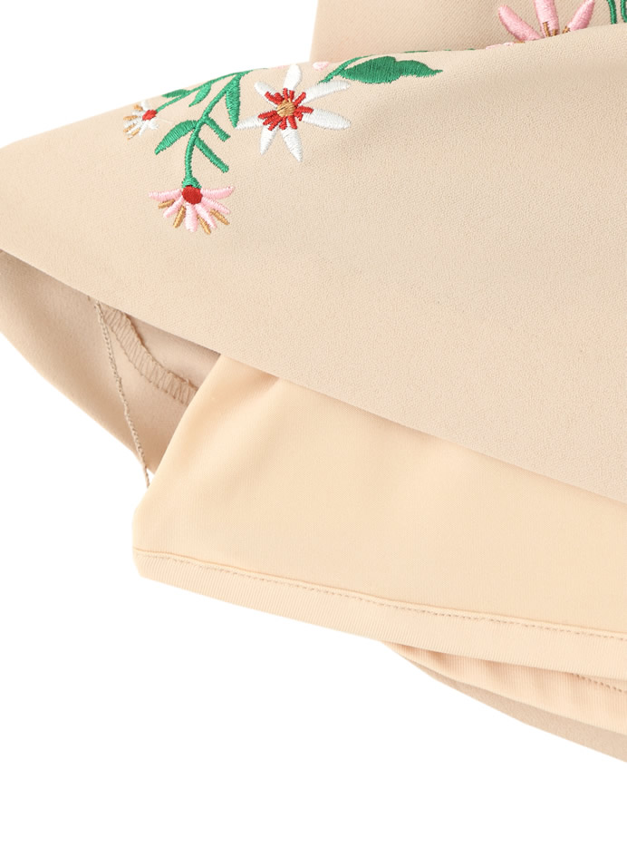 フラワー刺繍台形スカート