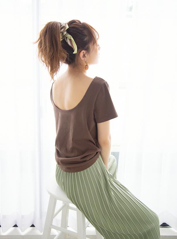 バックオープンTシャツ