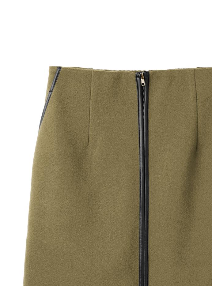 パイピングタイトスカート
