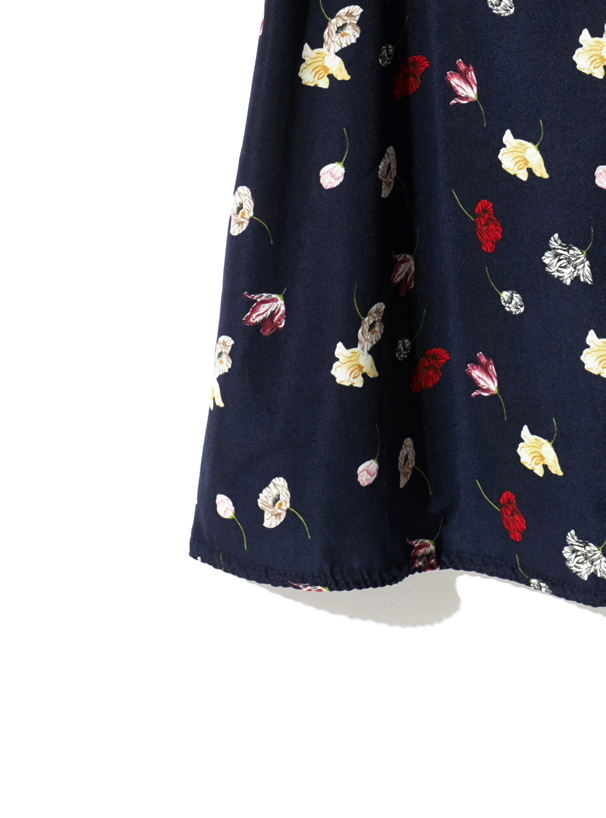 肩開きフリル花柄ブラウス
