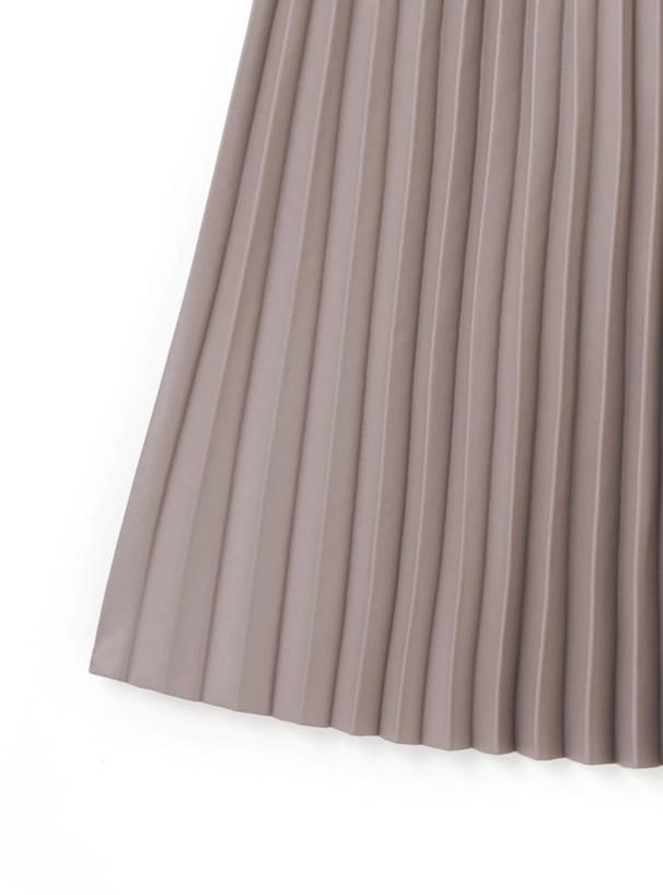 白石麻衣 レザープリーツスカート
