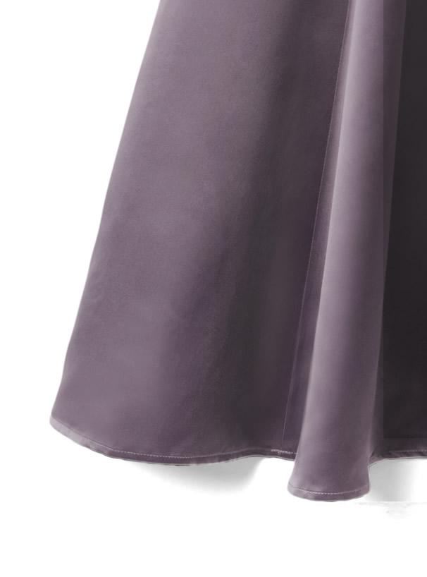 白石麻衣 ベルト付きサテンフレアスカート