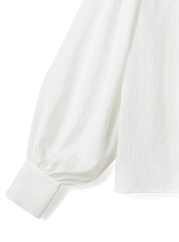 セーラーカラー刺繍ブラウス