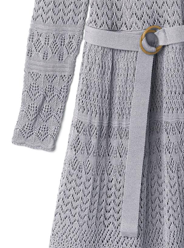 ぺチコート付き透かし編みニットワンピース