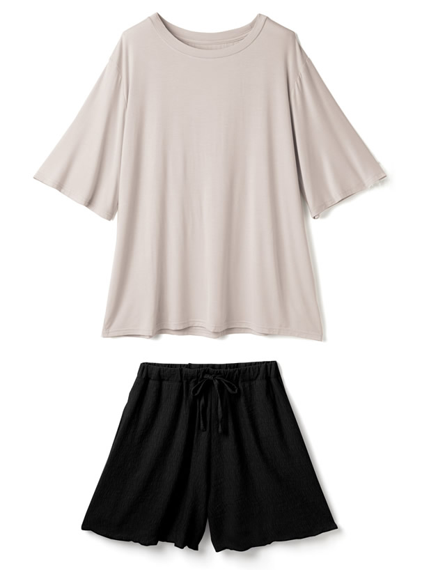 TシャツXショートパンツルームウエアセットアップ
