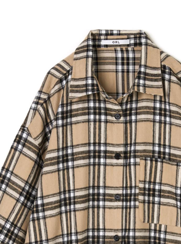 胸ポケット付きオーバーサイズチェックシャツ