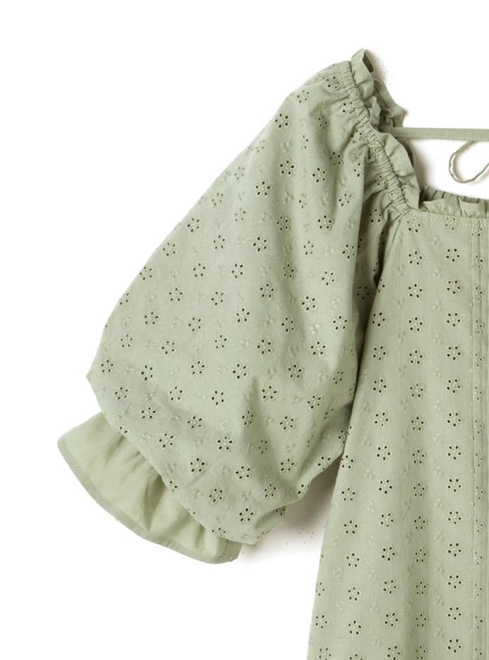 バックリボン刺繍ブラウス