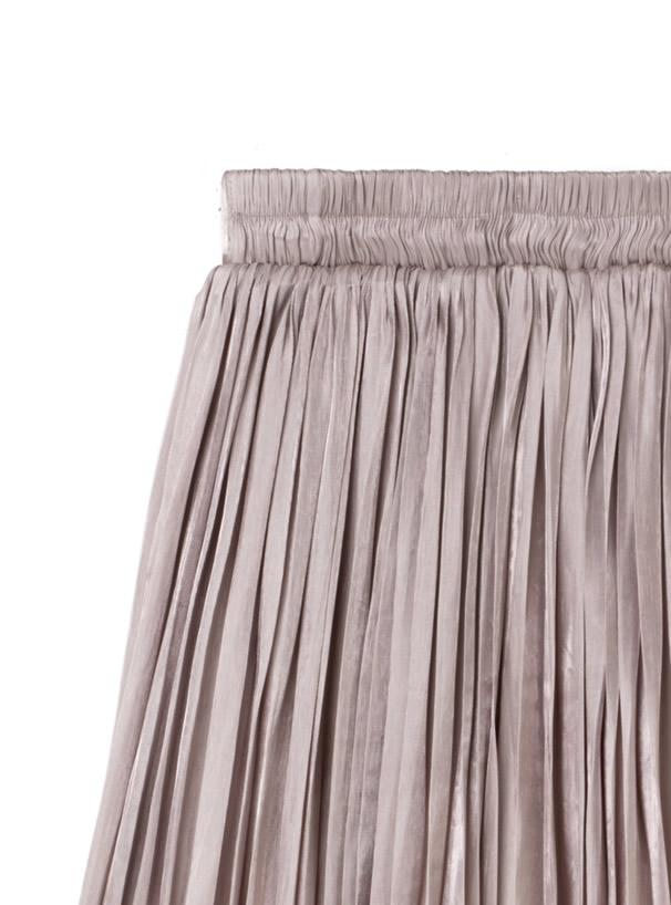 白石麻衣 サテンプリーツロングスカート