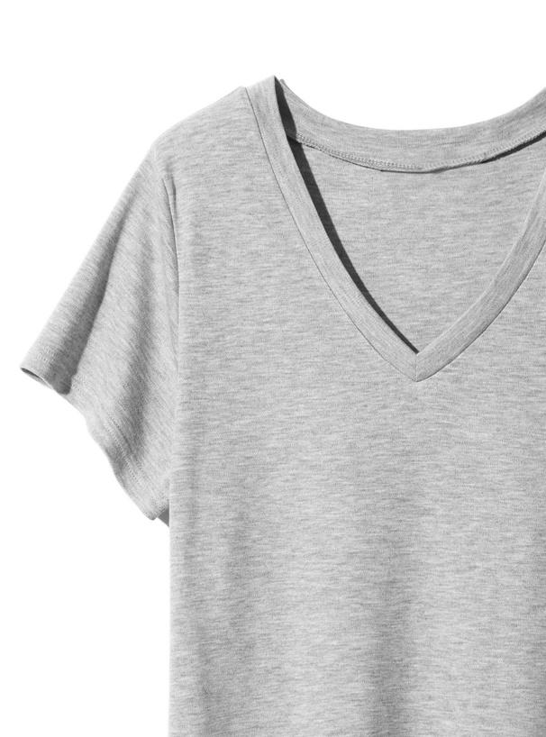 VネックベーシックTシャツ
