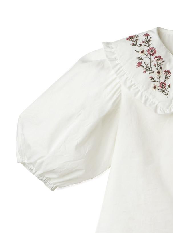 花柄刺繍ビッグカラーブラウス