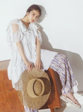 今田美桜 プリーツ加工ストライプパンツ
