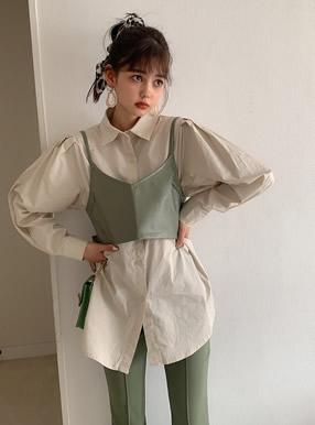 バックリボンフェイクレザービスチェXシャツセット