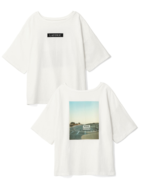 瑛茉ジャスミンボックスロゴバックフォトプリントTシャツ