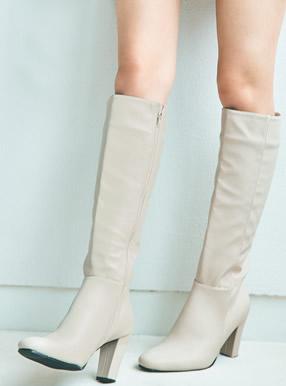 白石麻衣 スクエアトゥロングブーツ